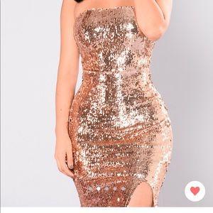 Selling my as new Fashion Nova dress ✨